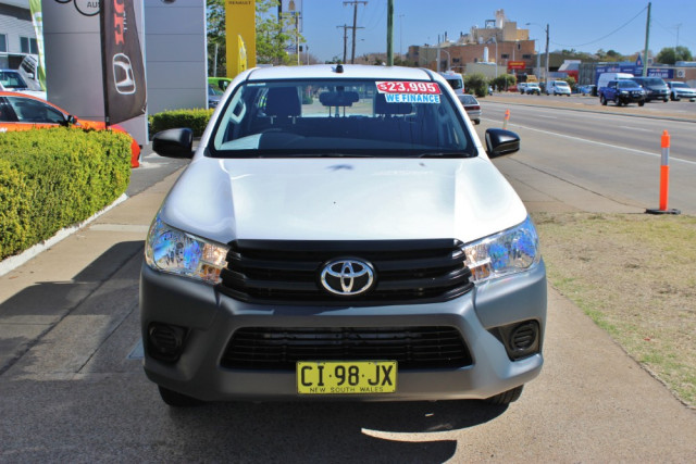 2016 Toyota HiLux TGN121R Workmate Utility - dual cab Image 3