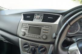 2012 Nissan Pulsar B17 ST-L Sedan