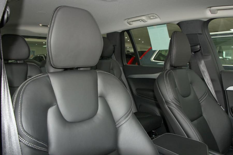 2018 MY19 Volvo XC90 L Series D5 Momentum Suv Mobile Image 2