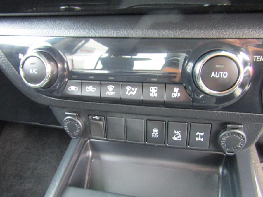 2017 Toyota HiLux GUN126R SR5 Utility Image 15