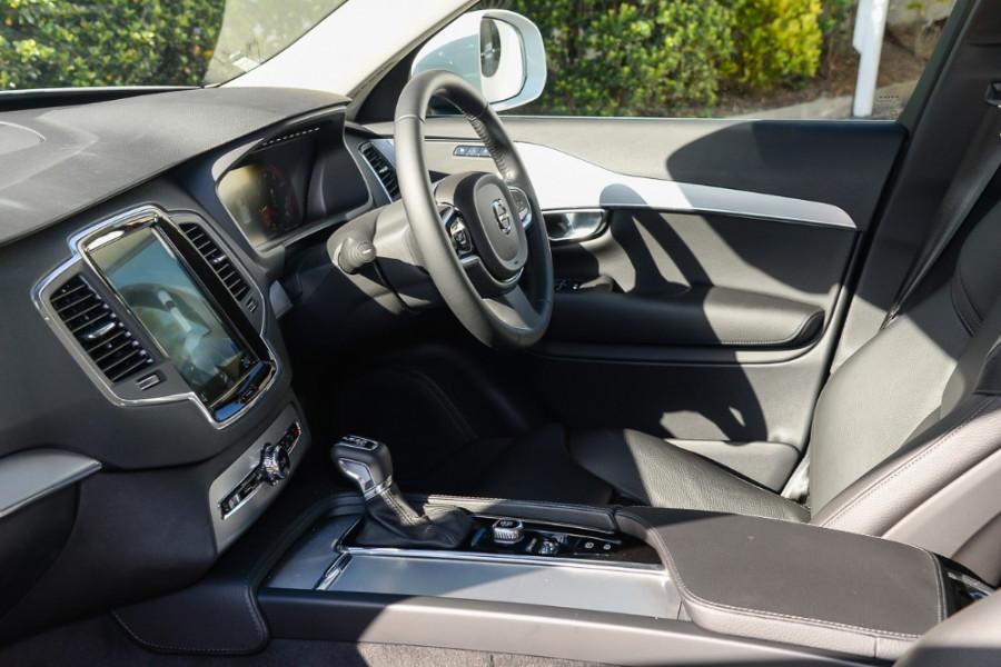 2017 MY18 Volvo XC90 L Series T6 Momentum Suv Mobile Image 8