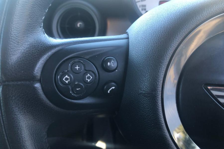 2013 Mini Hatch Hatchback Image 17