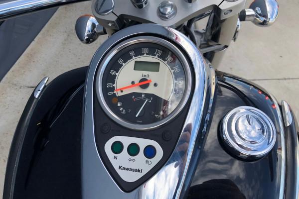 2010 Kawasaki Vulcan Classic Motorcycle Image 2