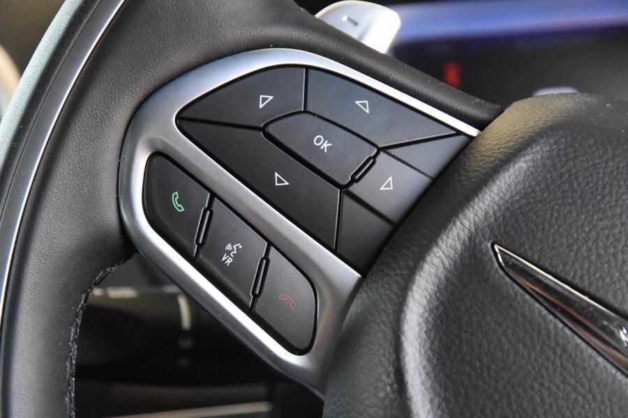 2019 Chrysler 300 LX C Luxury Sedan Image 11