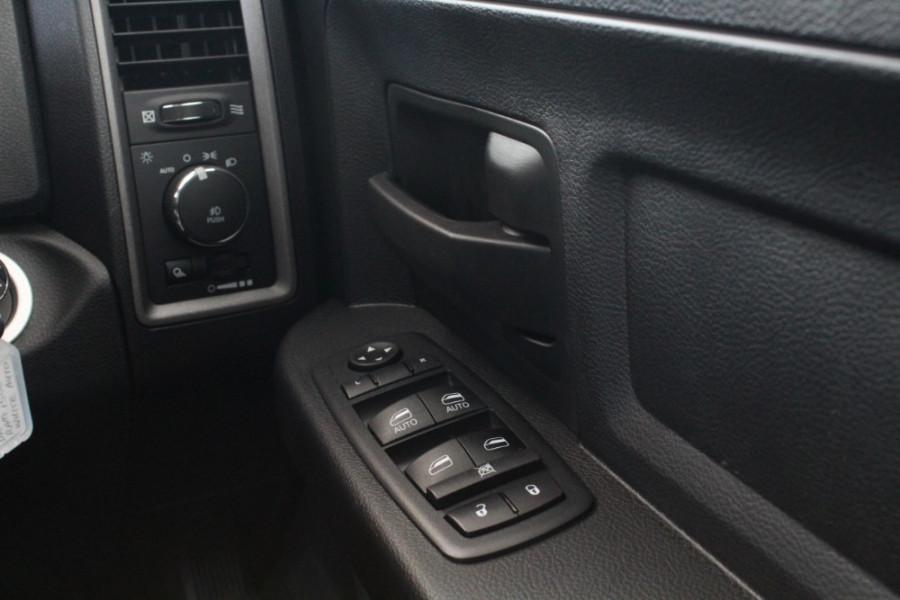 2019 MY20 Ram 1500 (No Series) Express Utility crew cab Image 16