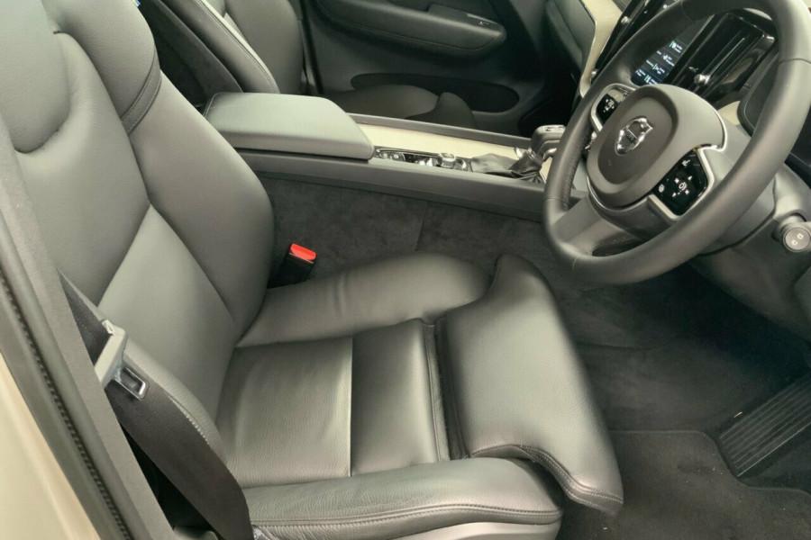 2018 MY19 Volvo XC60 UZ D4 Inscription (AWD) Suv Mobile Image 19