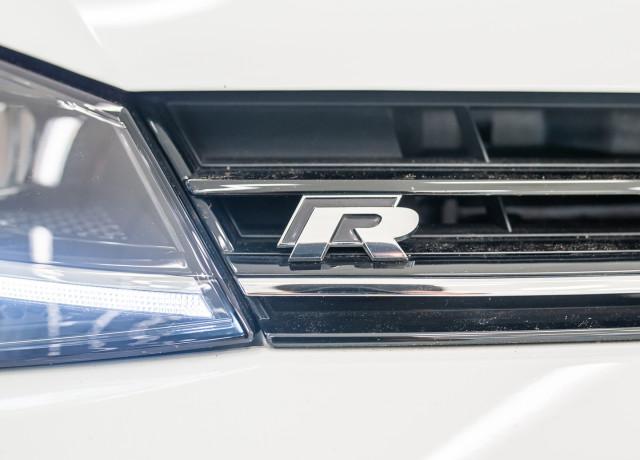 2017 MY18 Volkswagen Golf 7.5 R Grid Edition Hatch Image 12