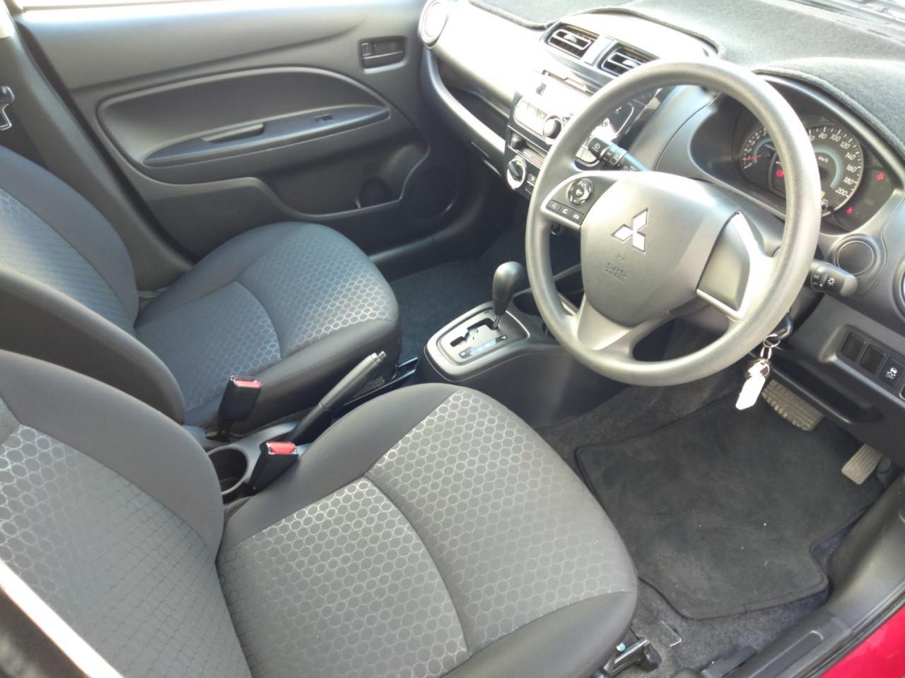 2014 MY15 Mitsubishi Mirage LA ES Hatch Image 12