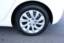 2014 Hyundai I30 GD2 Active Hatchback Image 5