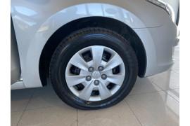2012 MY11 Hyundai I30 FD MY11 SX Wagon Image 4