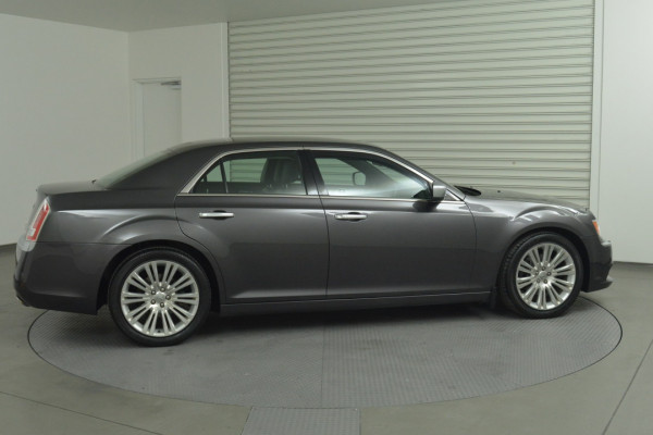 2012 MY13 Chrysler 300 LX C Sedan Image 2