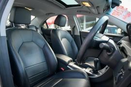 2013 MG MG6 IP2X Magnette S Sedan image 9