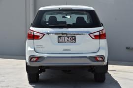 2019 Isuzu UTE MU-X LS-M 4x2 Wagon Image 4