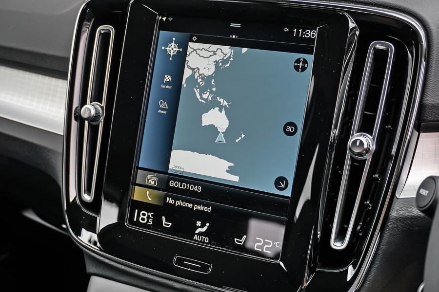 2020 MY21 Volvo XC40 XZ T4 Momentum Suv Image 8