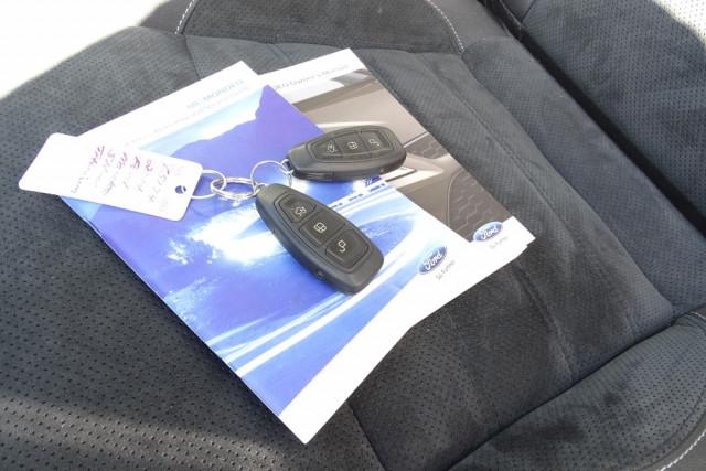 2014 Ford Mondeo Titanium Hatch 21 of 21