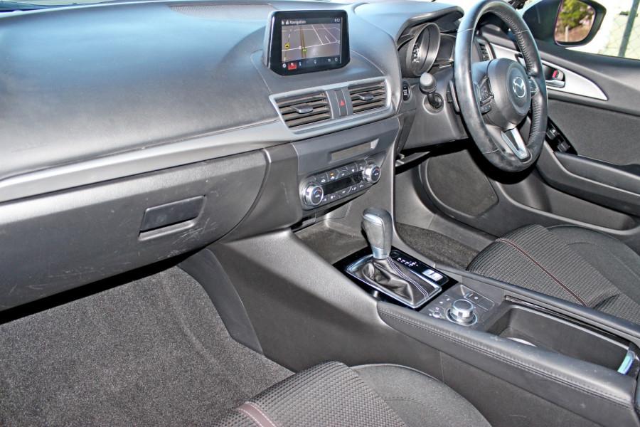 2017 Mazda Mazda3 BN5238 SP25 Sedan Image 9