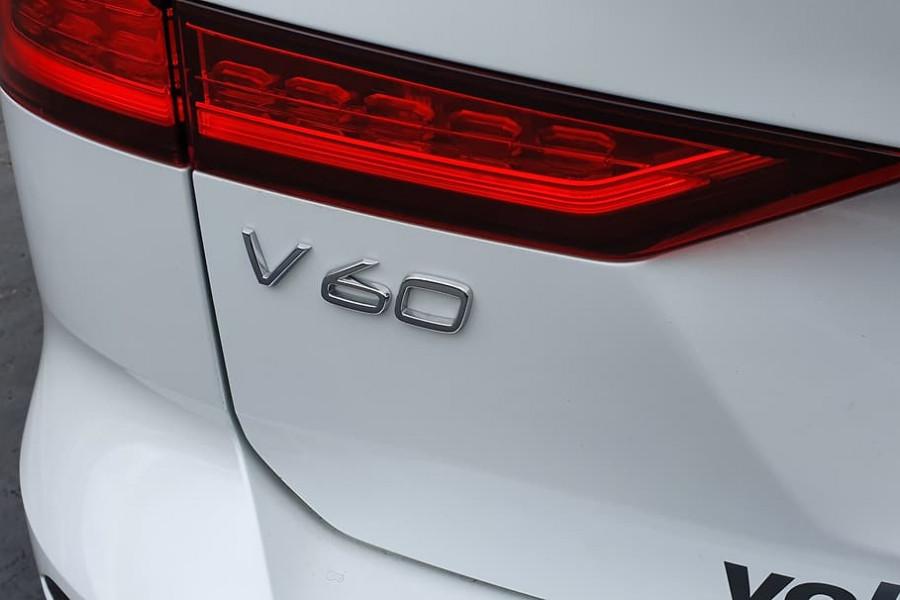 2020 Volvo V60 T5 Inscription T5 Inscription Wagon Mobile Image 14