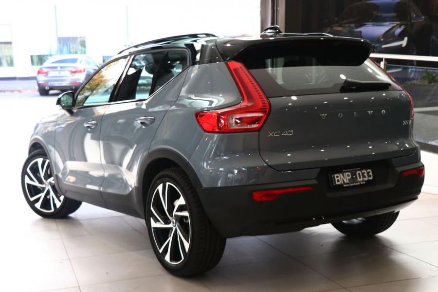 2021 Volvo XC40 XZ T5 R-Design Suv Image 3