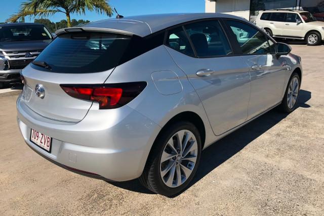 2019 MY20 Holden Astra BK R Hatchback Image 3