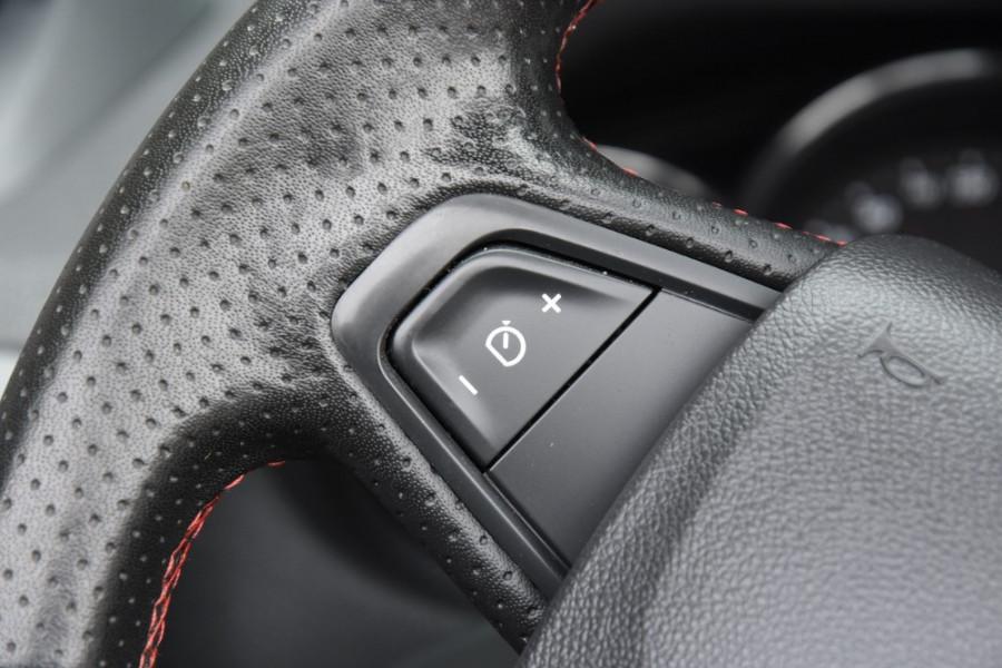 2015 Renault Megane III E95 Phase 2 GT-Line Convertible Image 11