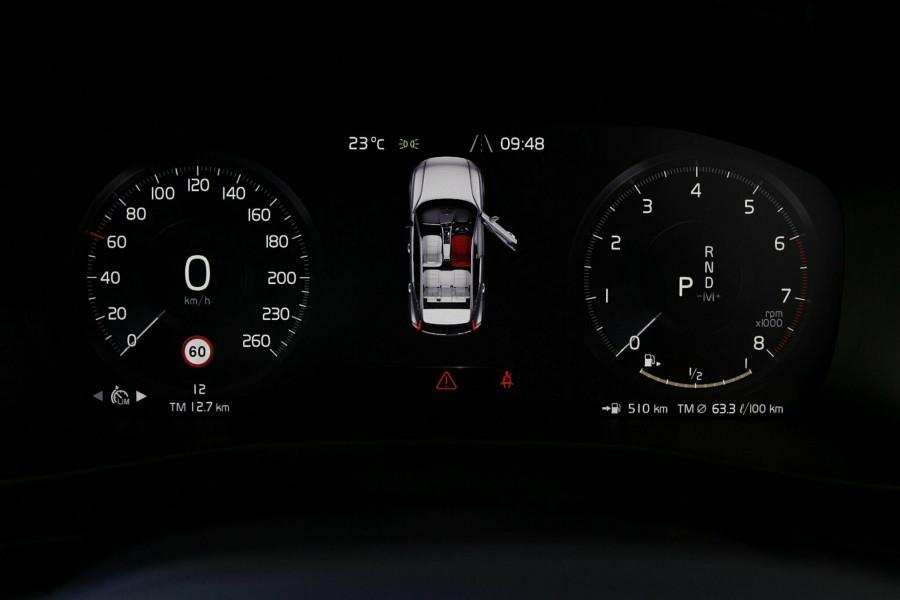 2019 Volvo XC40 T5 R-Design Suv Mobile Image 13