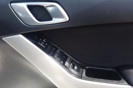 2015 Mazda BT-50 UP0YF1 XTR Dual cab Image 4