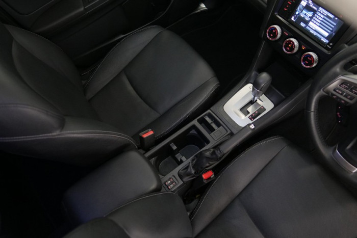2014 Subaru XV G4-X 2.0i-S Suv Image 7