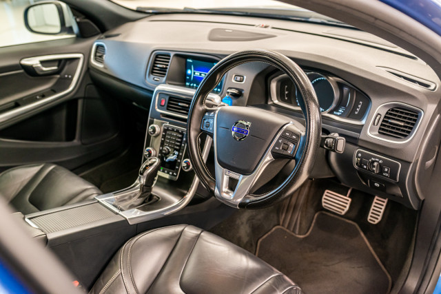 2016 MY17 Volvo S60 F Series T6 R-Design Sedan Image 20