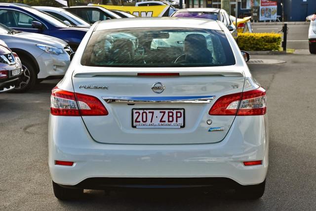 2013 Nissan Pulsar B17 Ti Sedan Image 4