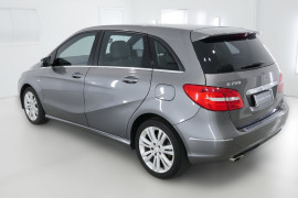 2012 Mercedes-Benz B200 W246 B200 BlueEFFICIENCY Hatchback Image 4
