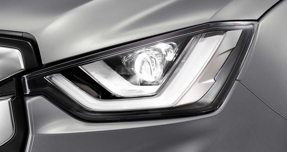 Headlights: Bi-led with auto levelling and DRLs Image