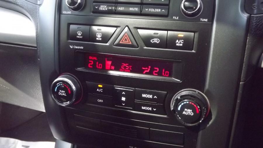 2010 Kia Sorento XM Turbo Platinum Suv Image 17