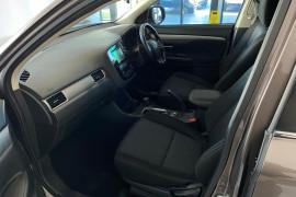 2015 MY16 Mitsubishi Outlander ZK MY16 LS Suv Image 4