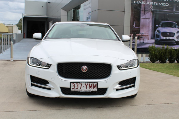 2016 Jaguar Xe X760 MY16 25t Sedan Image 2