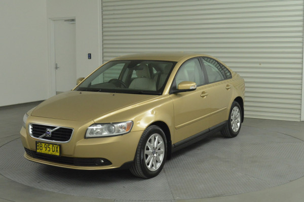 Volvo S40 S Vehicle Description. M  MY08 S Sedan 4dr SA 5sp 2.4i