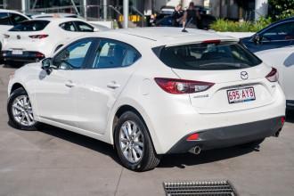 2015 Mazda 3 Hatchback Image 2