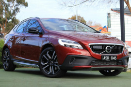 Volvo V40 D4 Inscription (No Series) MY17