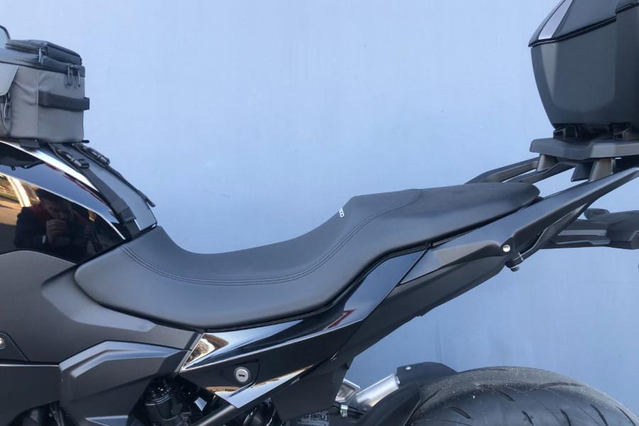 2020 BMW F900R F-Series R Motorcycle Image 16