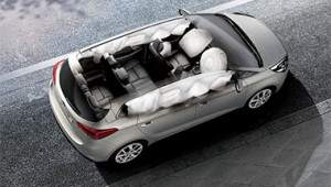 Rondo Six Airbag Safety