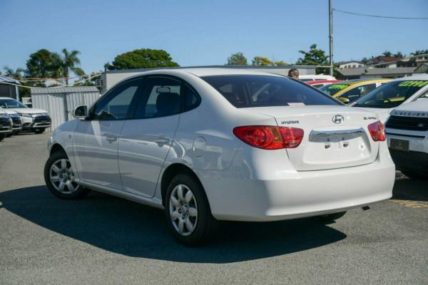 2009 Hyundai Elantra HD SX Sedan Image 3
