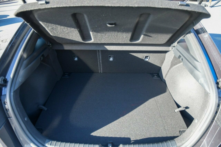 2021 MY22 Kia Cerato BD MY22 GT DCT Hatchback Image 15