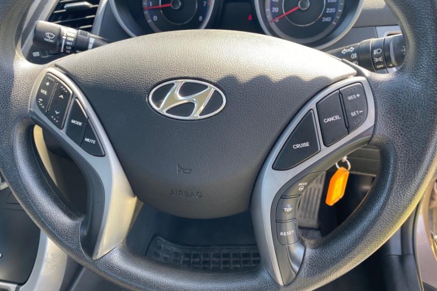 2014 Hyundai Elantra MD3 Active Sedan Image 13