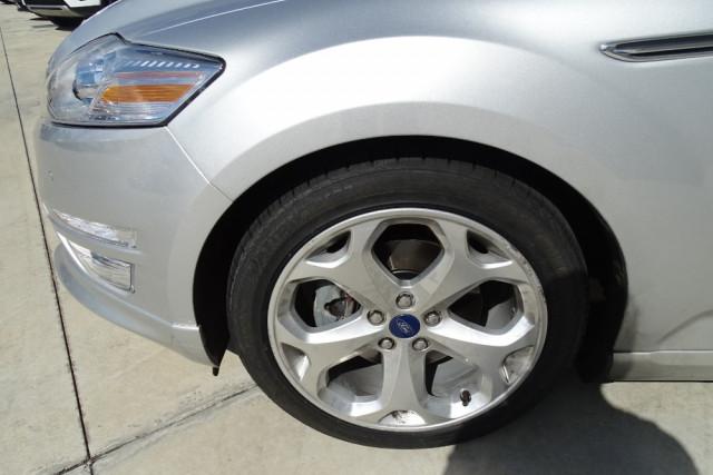 2014 Ford Mondeo Titanium Hatch 8 of 21
