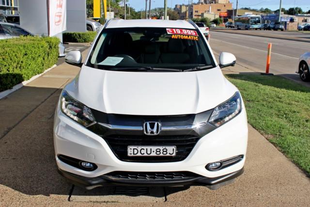 2015 Honda HR-V VTi-S Hatchback Image 3