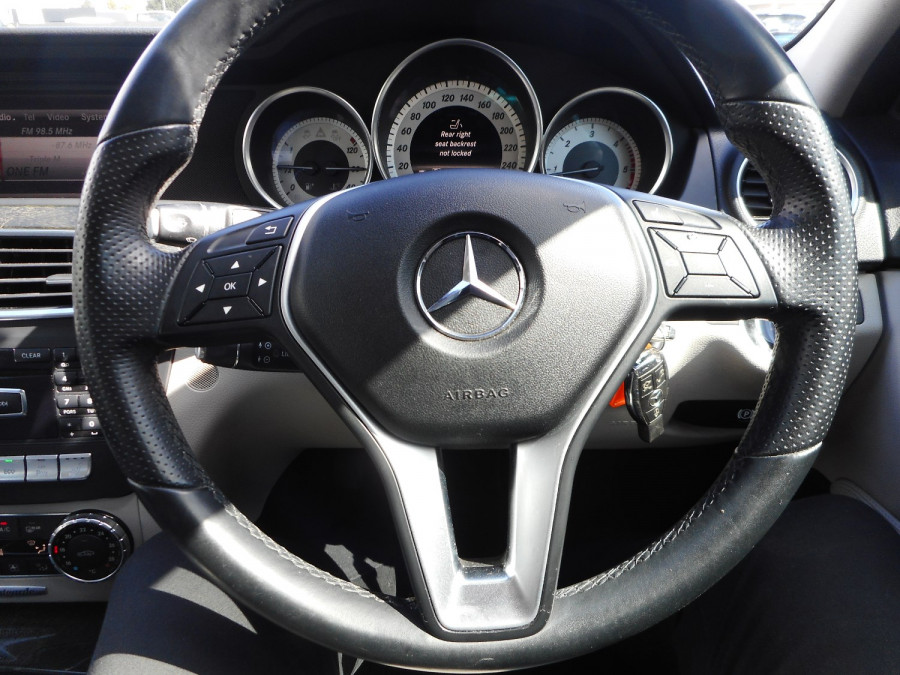 2014 Mercedes-Benz C-class W204  C250 CDI Avantgarde Sedan Image 15