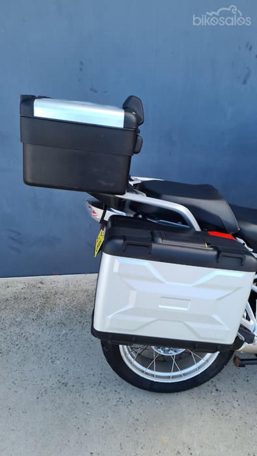 2014 BMW R 1200 GS  R Dual Purpose Motorcycle Image 17