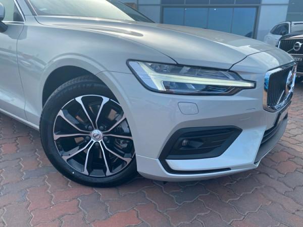 2020 Volvo V60 F-Series T5 Momentum Wagon