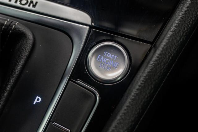 2017 MY18 Volkswagen Golf 7.5 R Grid Edition Hatch Image 30