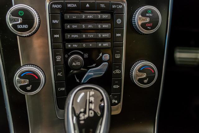 2016 MY17 Volvo S60 F Series T6 R-Design Sedan Image 32