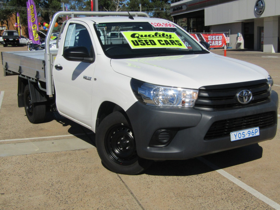 2018 Toyota HiLux WorkMate 4x2 Single-Cab Cab-Chassis Cab chassis Image 4
